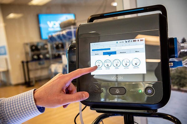 Crank-Software-Ventec-Life-Systems-VOCSN-ventilator-medical-device-touchscreen